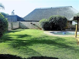 BEAUTIFUL SMALL HOLDING FOR SALE IN KAMEELDRIFT EAST with 3 Houses on the Property!