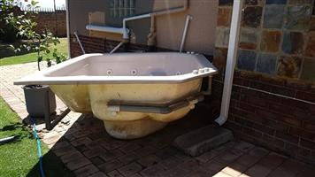 6-seater Jacuzzi