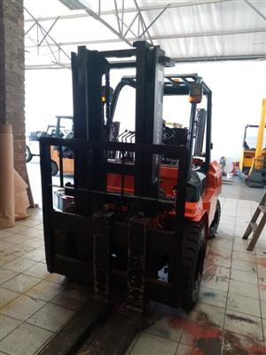 SELLING,RENTING AND TRAINING OF FORKLIFTS
