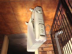 DELONGHI 11 FIN OIL HEATER