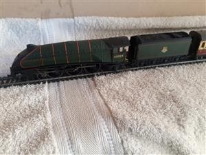 A4 Mallard 00 Scale loco and four carriages