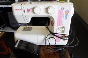 Janome RE1712 Sewing Machine