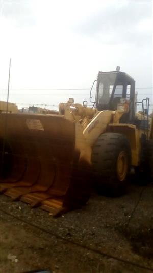Komatsu WA500 Front loader