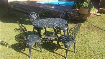 4 piece patio garden set of Cast Iron