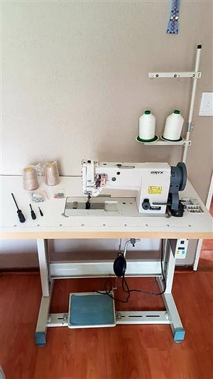Industrial Leather and Upholstery Sewing Machine with Walking Foot (Oryx (OR59421-1)