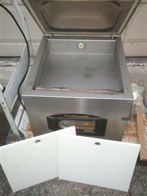 Second hand vacuum packing machine in excellent condition