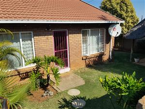 2 Bedroom House For Sale in The Orchards