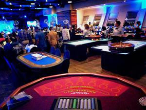 Hire a  mobile play Casino for your party - Casino Themed party hire with blackjack, roulette and poker