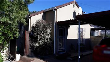 Cozy 3 Bedroom House situated in Plumstead for Rental