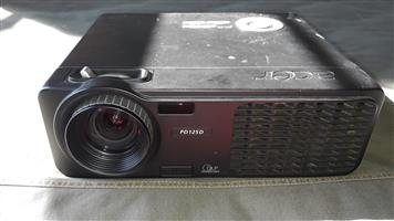 ACER PD125D DLP Projector