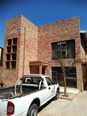 BEAUTIFUL 2 STORY HOME FOR SALE BOKSBURG ( R 1,999 999.00 mil CASH NEGOTIABLE )