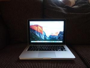 Apple Macbook Pro 2.5 GHz Intel Core i5