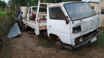 4 ton mitsubishi canter stripping for spares