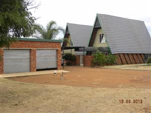 Gorgeous smallholding for sale in Rooiwal