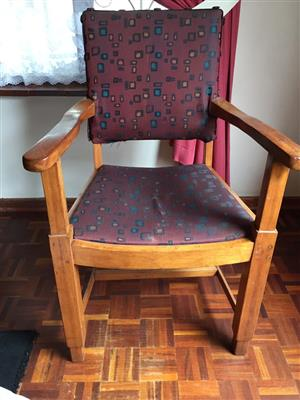 2 x oak carver chairs