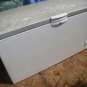 Defy 387l freezer