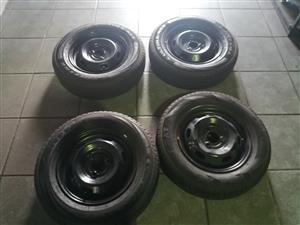 Steel Rims and Tyres Of Renault Kwid