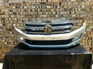 Volkswagen Amarok Bumper & Grill