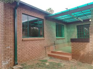 Neat house with flatlet in Highveld - R13 800 - 1 June 2019/1 July 2019