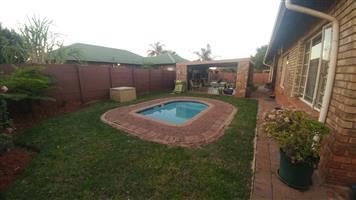 Stunning 3 Bedroom Home in Doornpoort – R 1 150 000