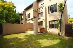 Beautiful 2bdr groundfloor townhouse with garden to let in Sunninghill