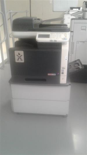 Im selling two KONICA MINOLTA BIZHUB Printetrs