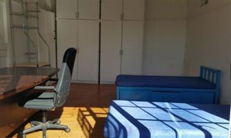Rooms, FURNISHED, SAFE CLEAN 500 M FROM UJ, WESTDENE