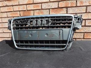 Audi A4 B8 Prefacelift Grill