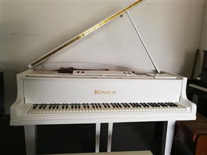 BEAUTIFUL WHITE RONISCH BABY GRAND PIANO