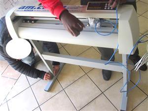 V-1708 V-Series High-Speed USB Vinyl Cutter, 1700mm Working Area, In-house VinylCut