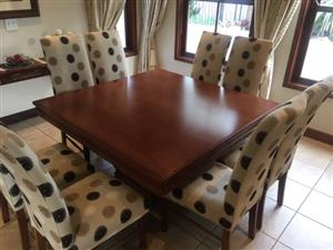 Dining room set 8 seater