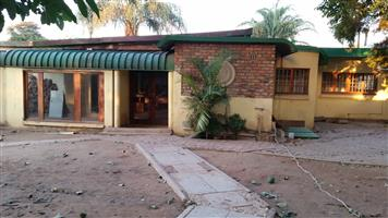 Pretoria Gardens/Tuine 3 bed & 2 bed unit on 1erf(2 houses/units)