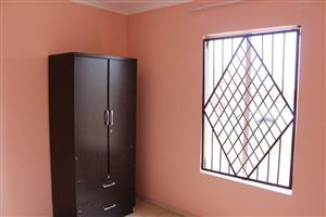 Standard room available to rent in Rosslyn