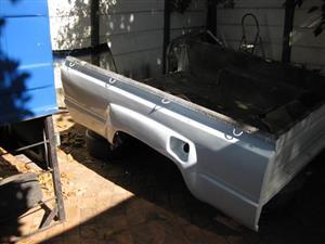 Toyota Hilux 1985 SWB loading bin