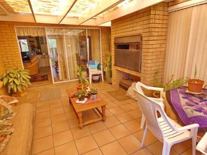 Townhouse  For sale in Mikro Park