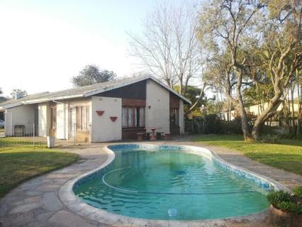 House  For sale in Manors