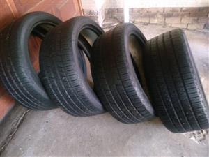 Set 6.09mm tread 275/40/22 Continental Range Rover Tyres R1450 each R5800 for the set of Tyres