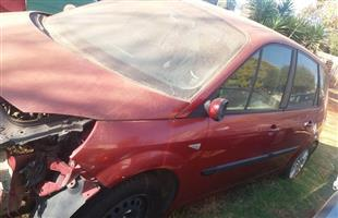 Renault Scenic 2004 1.9D Stripping for spares