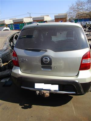 nissan livina 1.6 acenta 2010 stripping for spares!!