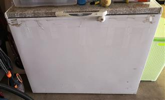 DEFY CHEST FREEZER 320L - DMF292