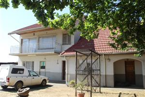 BENONI-LILYVALE-LOOK HERE!~ONLY R1.65 Mil-(REDUCED) FOR YOU-2 Ha4 BED HOUSE-2 BATHS-POOL y FLAT!!!