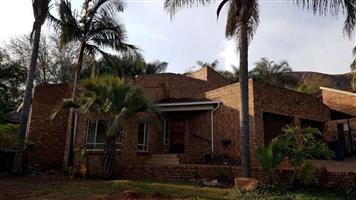 FOR RENT: MOUNTAIN-VIEW, R9900p/m, 3 bedroom house, 2 bathrooms, double lock-up garage & 1 carport
