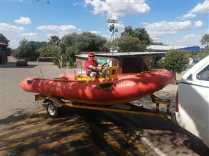 Rubber duck boat