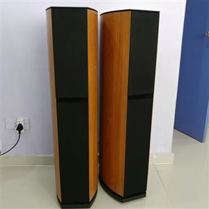 JAMO 7.7 TOWER LOUDSPEAKERS