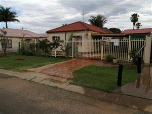 Newly renovated big 3 bedroom house for rent R6500 Pretoria North