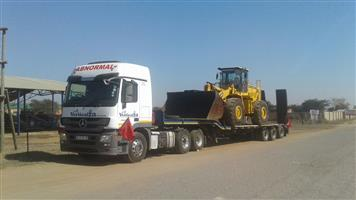 34. VerticalZA Merc-Benz - Transport Horse AND 3-AXLE LOWBED & Rollback