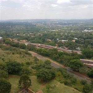 SPACE,SPACE AND MORE SPACE!BIG APARTMENT FOR SALE IN PRETORIA EAST-LA MONTAGNE!!