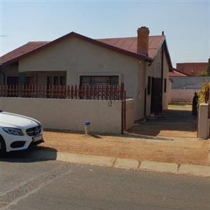 Lenasia Ext 1 House For Sale