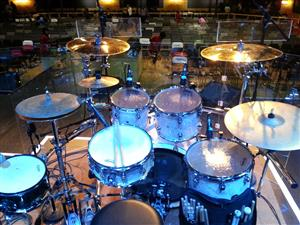 DW Performance Series Drums in Marine White