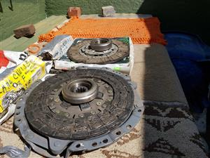 NEW CLUTCH KIT, CLUTCH PLATE AND BEARING (3.9D LAND CRUISER 4.0 DIESEL)